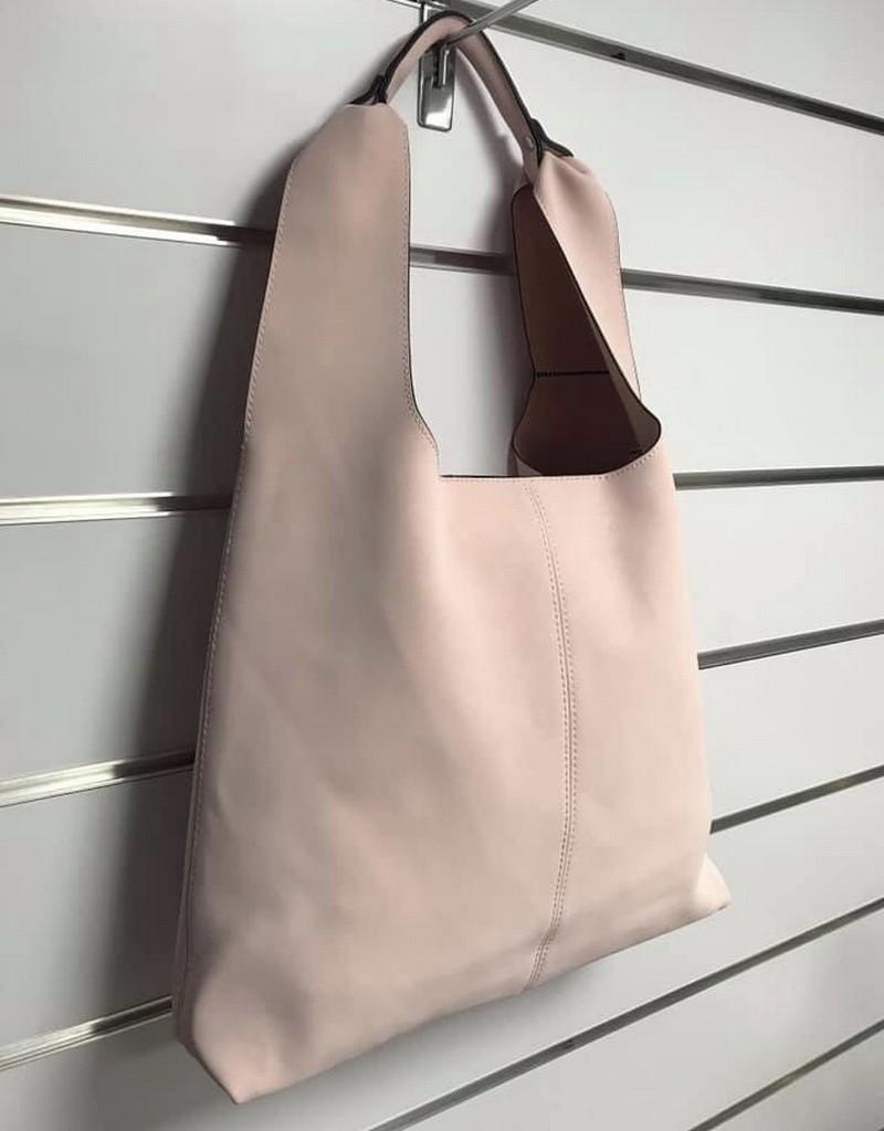 Różowa torba z kosmetyczką